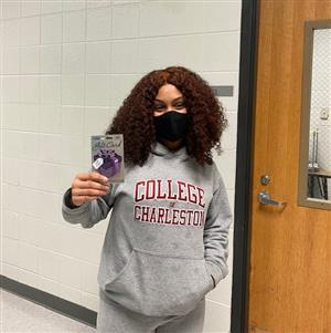 Image of Student Imani Castillo with $25 Gift Card